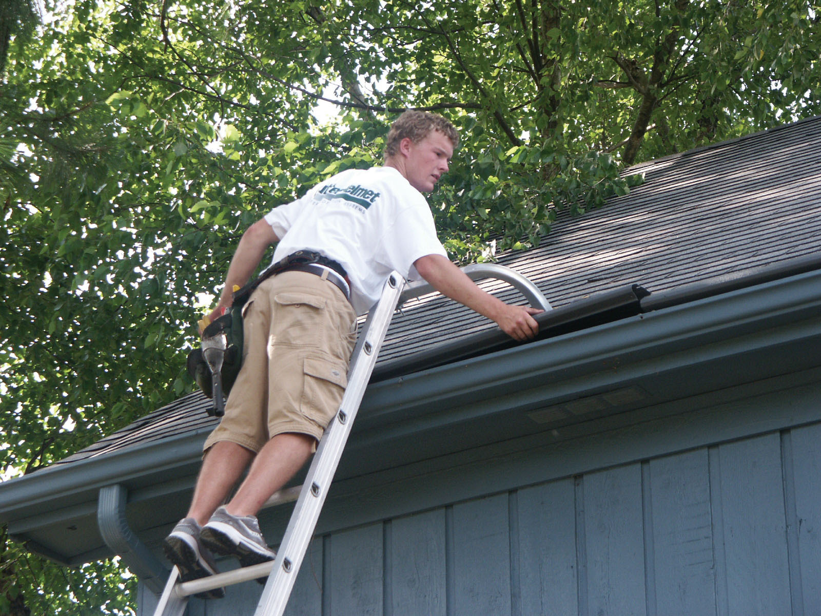 Installing Gutters Diy Or Hire A Professional