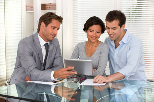 4 ways a financial advisor can help you plan for retirement
