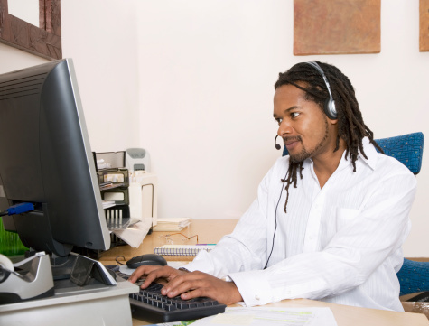 Real-time analytics let call center managers make improvements that maximize call center ROI.