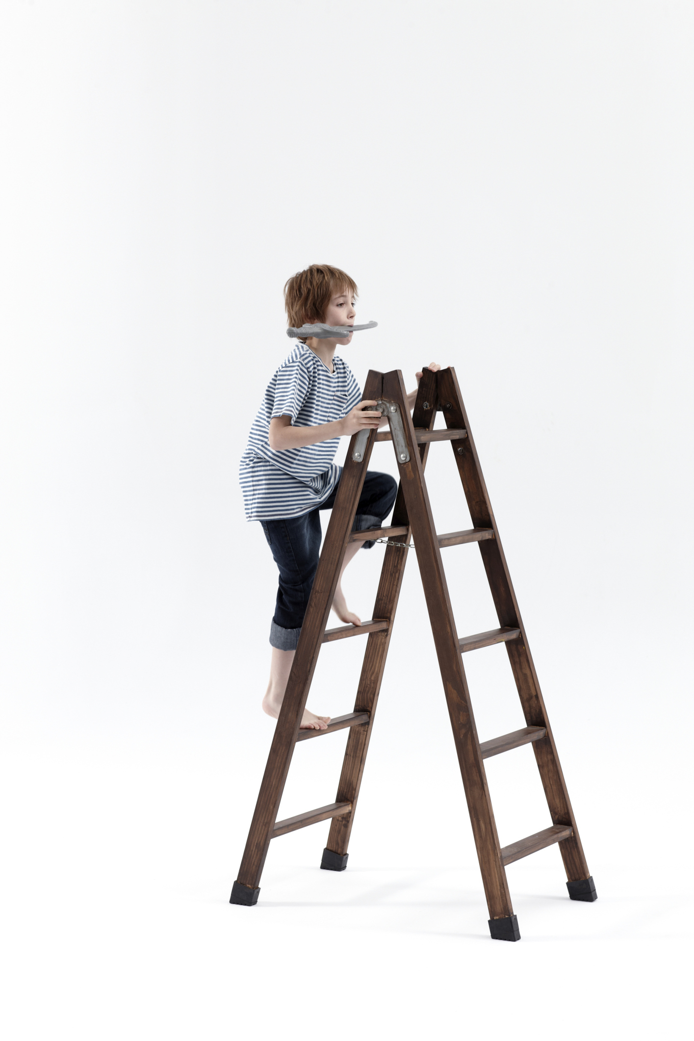 climbing the ladder analysis running head: ladder of inferance 1 susan valliere ladder of inference, a case study southern new hampshire university ladder of inferance 2 abstract the case study given is a classic case where a patient's belief, (real, false interpretation of facts) influences their behavior and is a barrier to receiving quality and/or appropriate care.