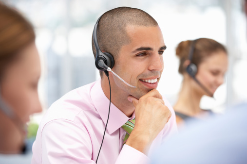 Route calls automatically to maximize productivity and minimize caller wait times.