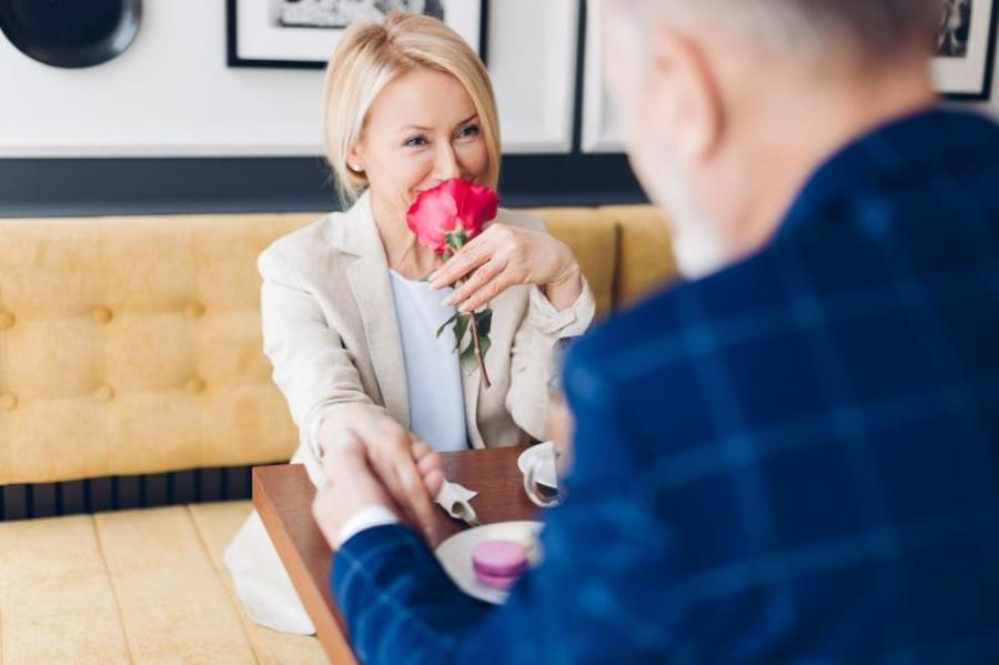 It's up to you to decide when and if you tell your date about your ED