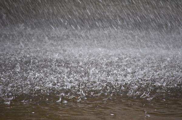 Rain fall.