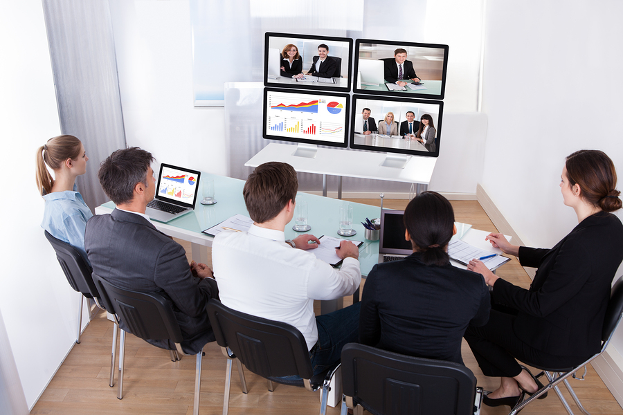 Videos on 4 different screens is one way to make more engaging corporate training video