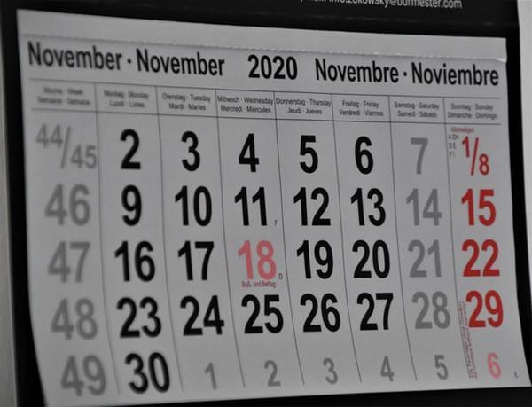 November paper calendar.