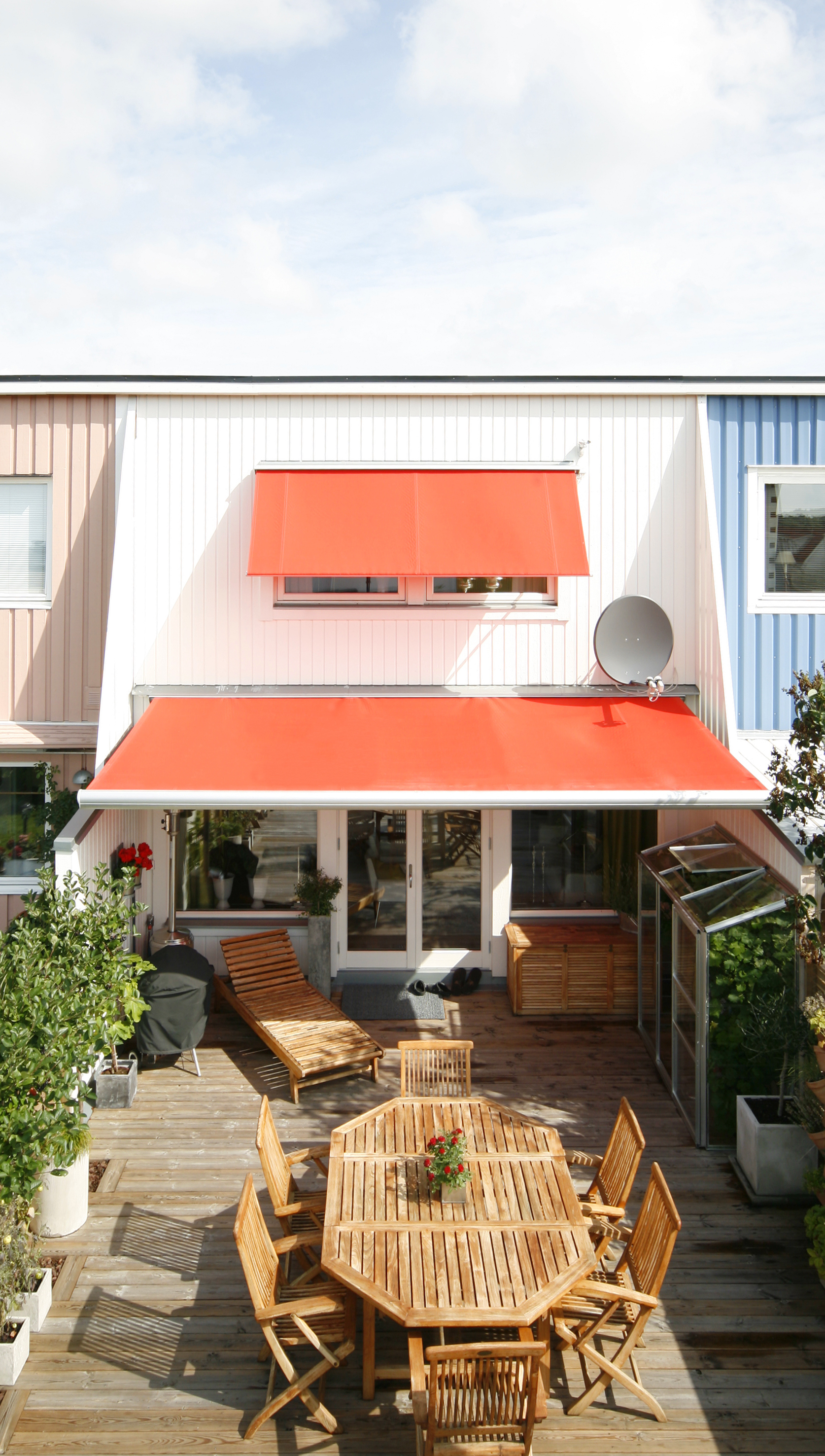Retractable Awnings Motorized Or Manual
