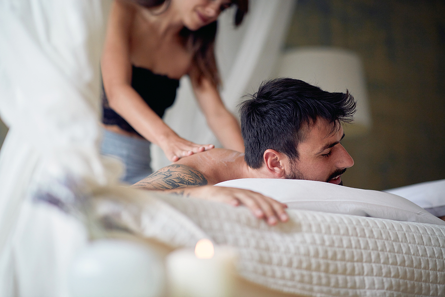 You don't need to have experience to give your partner a sensual massage