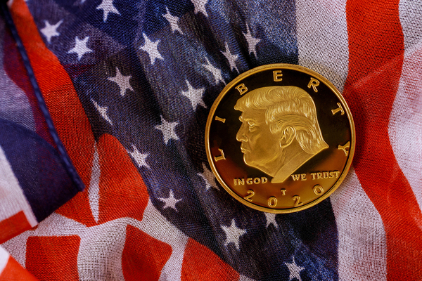 Gold coin with President Trump image.