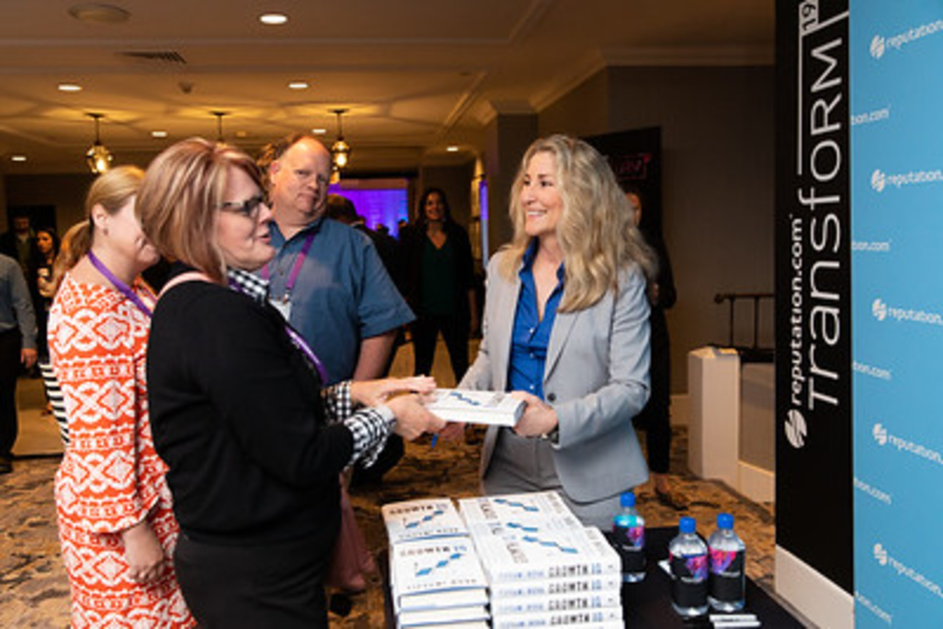 Following her keynote, Bova handed out signed copies of her best-selling book, Growth IQ.