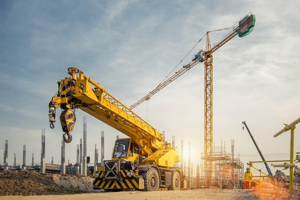 Large crane in a construction area.