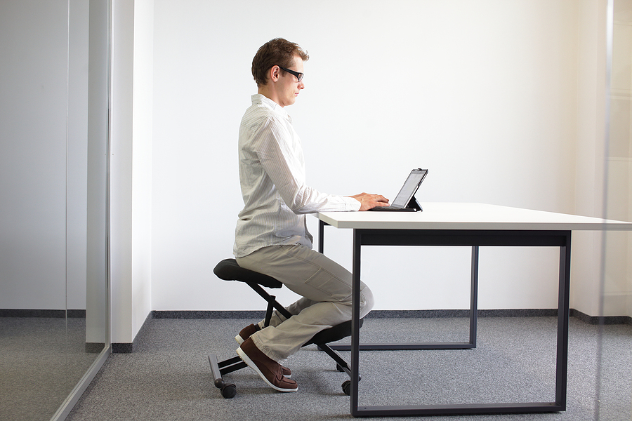 Knee chairs are a healthy alternative to desk chairs