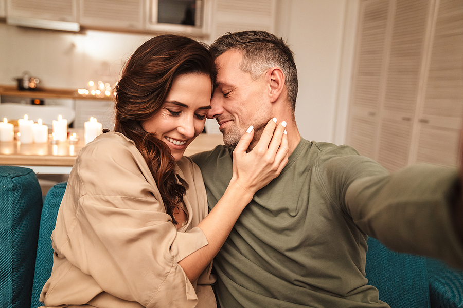 Switch off the workday mode and make space for intimacy