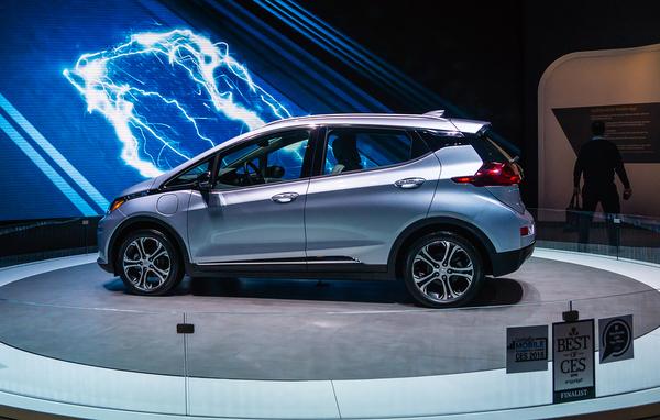 Hybrid Car Showdown Toyota Prius Vs Chevrolet Bolt